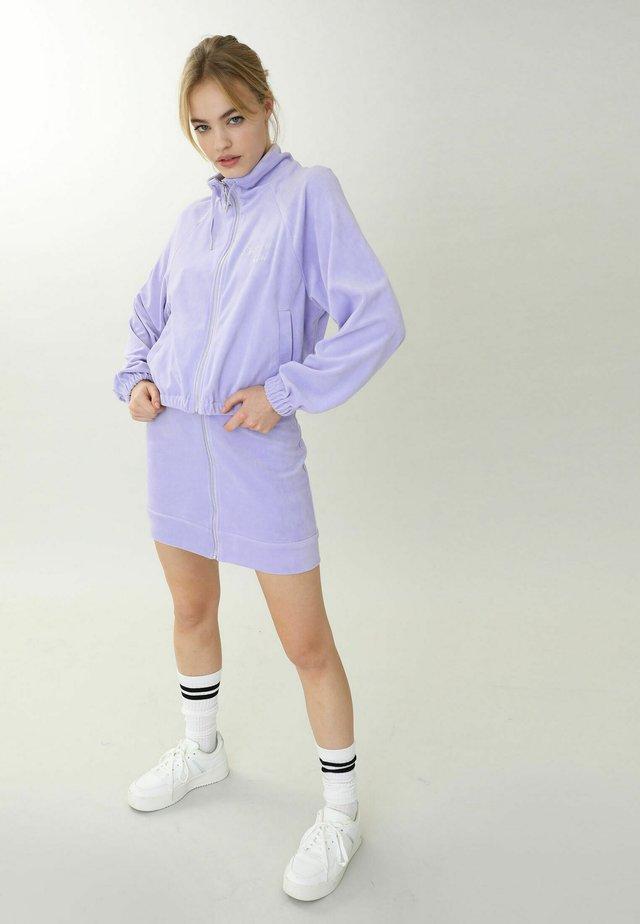 Lehká bunda - lila