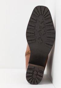 KIOMI - Winter boots - cognac - 6