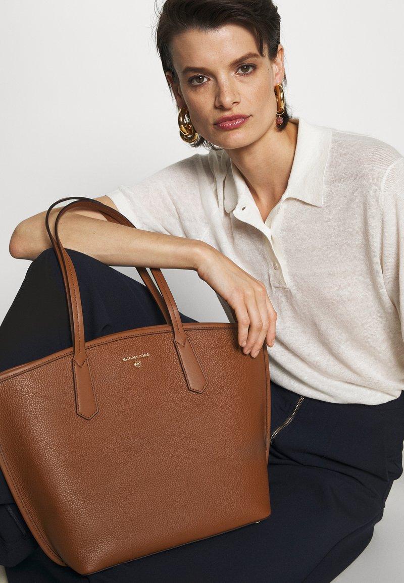 MICHAEL Michael Kors - JANE TOTE - Tote bag - luggage