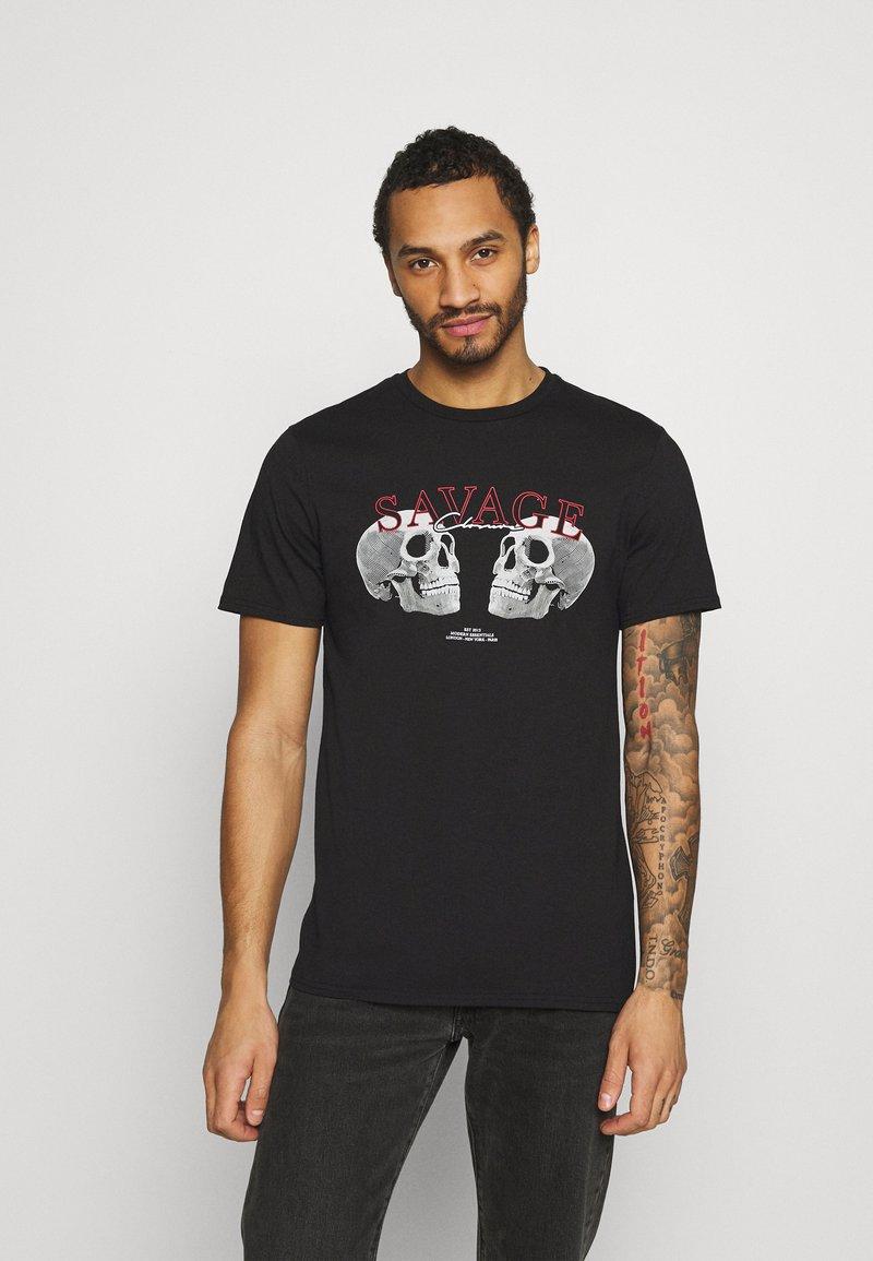 CLOSURE London - SAVAGE DEATH TEE - Print T-shirt - black