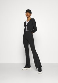Topshop - FLARE AND TIE FRONT SET - Cardigan - black