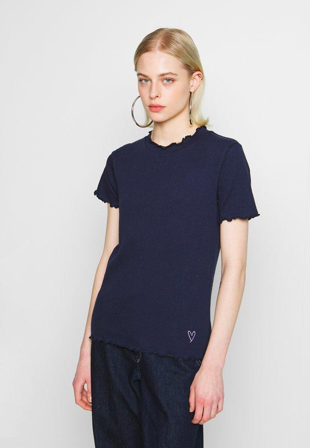 NUAVONLEA - Print T-shirt - sapphire