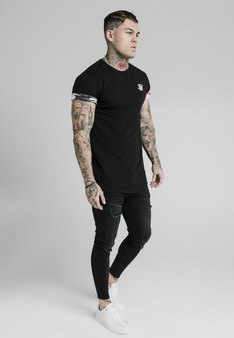 SIKSILK - FLORAL ROLL SLEEVE TEE - T-Shirt basic - black