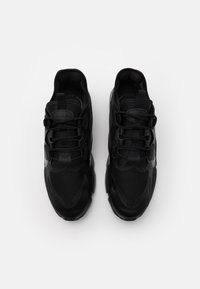 Nike Sportswear - AIR MAX INFINITY 2 - Baskets basses - black/anthracite - 5