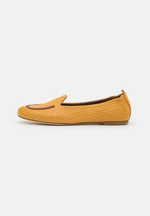 Slip-ons - giallo