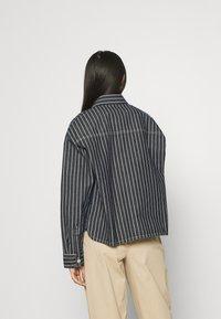 Carhartt WIP - TRADE  - Summer jacket - dark navy - 2