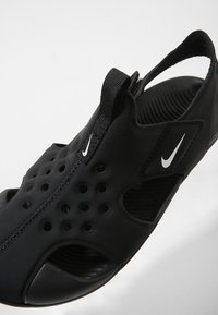 Nike Performance - SUNRAY PROTECT 2 UNISEX - Badslippers - black/white - 5