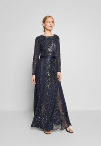 Maya Deluxe - ALL OVER EMBELLISHED SPOT MAXI DRESS - Galajurk - navy - 0