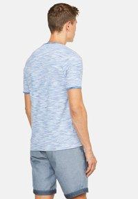 Colours & Sons - MARIO - Print T-shirt - blau - 1