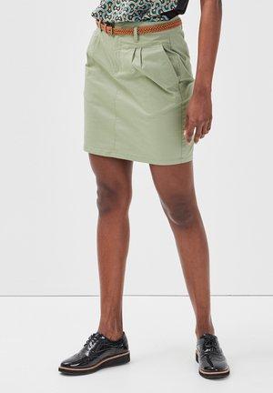 MIT GÜRTEL - A-line skirt - vert