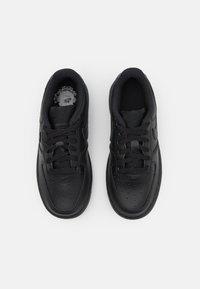 Nike Sportswear - FORCE 1 UNISEX - Sneakers laag - black - 3