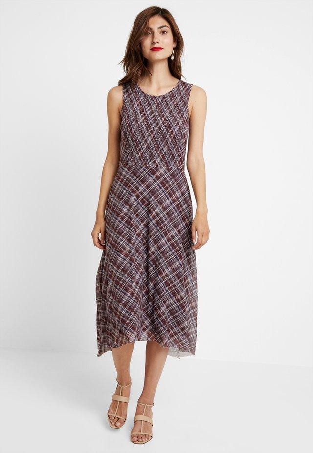 Vestido informal - deep burgundy