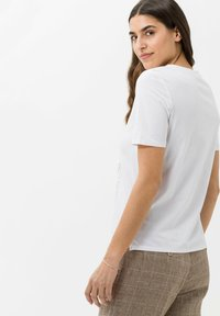 BRAX - STYLE CIRA - Print T-shirt - white - 2