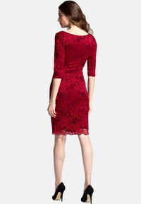 HotSquash - Pouzdrové šaty - red - 1