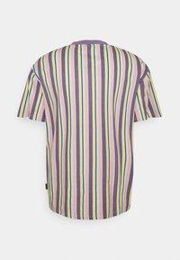 Kickers Classics - VERTICAL STRIPE TEE - T-shirt imprimé - multi colour - 1