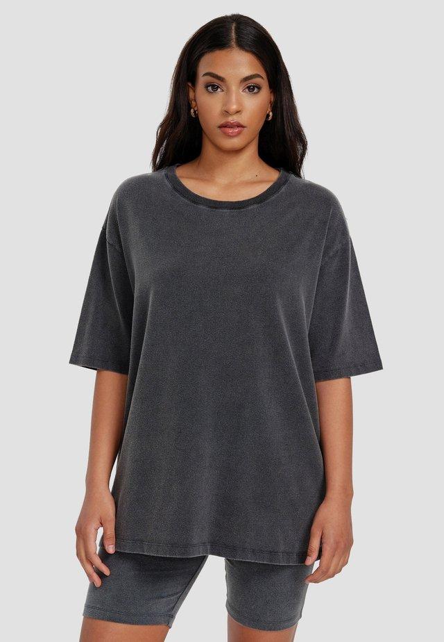 UMUT - Basic T-shirt - schwarz