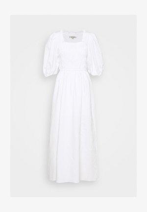 LIVI DRESS - Vestido largo - chalk white