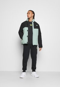 Hi-Tec - BRENDON PADDED COAT - Winter jacket - granite green - 1