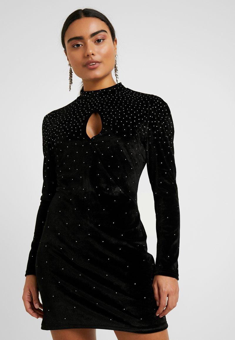 Fashion Union Petite - ROWLER - Shift dress - black