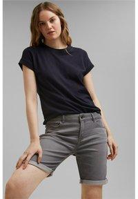 Esprit - Denim shorts - grey medium washed - 7