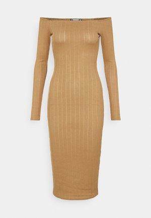 TEXTURE BARDOT BODYCON MIDI DRESS - Jumper dress - brown