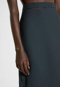 Vivienne Westwood - LOOSE INFINITY SKIRT - Pencil skirt - green - 5