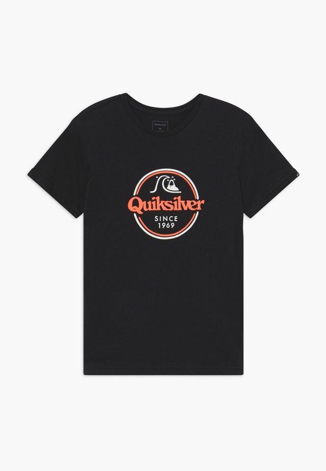 WORDS REMAIN - T-shirt med print - black