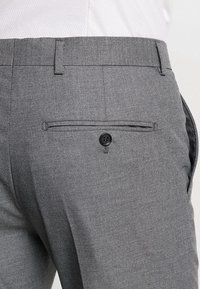 Selected Homme - SHDNEWONE MYLOLOGAN SLIM FIT - Suit - medium grey melange - 9