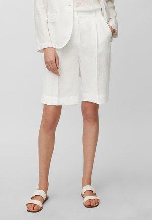 Shorts - white linen