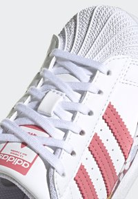 adidas Originals - SUPERSTAR SHOES - Sneakers laag - ftwr white/hazy rose/hazy rose - 7