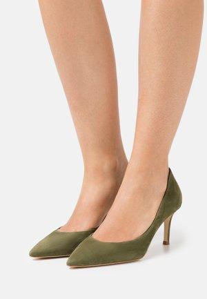Klasické lodičky - kaki green