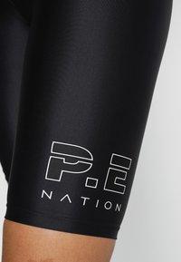 P.E Nation - ENDURANCE SHORT - Sportovní kraťasy - black - 5