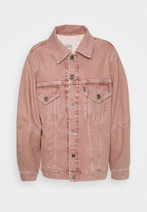 WEDGE SLEEVE TRUCKER - Džínová bunda - pink sands