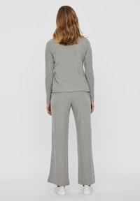 Vero Moda - Trousers - light grey melange - 2
