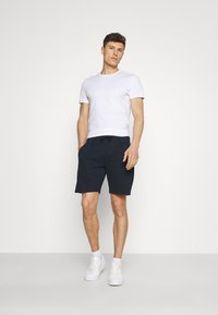 Lindbergh - PIGMENT DYED - Shorts - navy - 1
