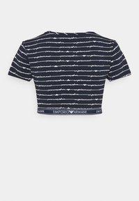 Emporio Armani - CROP - Pyjama top - blu allover bianco - 1