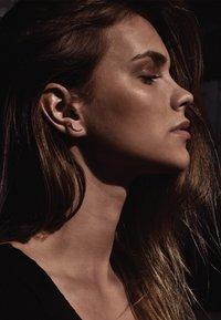No More - CHAMPAGNE EARRINGS - Earrings - silver - 1