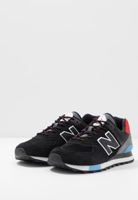 New Balance - ML574 - Sneakers - black/red