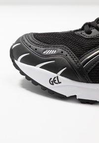 ASICS SportStyle - GEL-1090 - Sneakersy niskie - black - 2