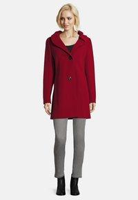 Gil Bret - MIT STEHKRAGEN - Short coat - dark red - 1