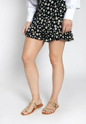 LERIA  - T-bar sandals - gold