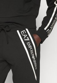 EA7 Emporio Armani - Pantalones deportivos - black/white - 6