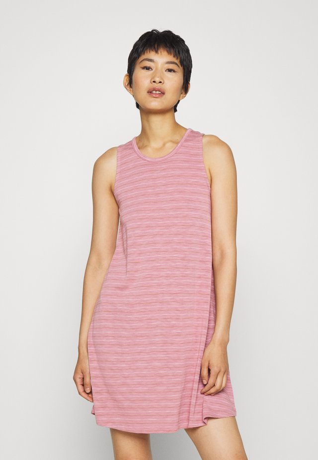HIGHPOINT TANK DRESS IN STRIPE - Jersey dress - weathered berry