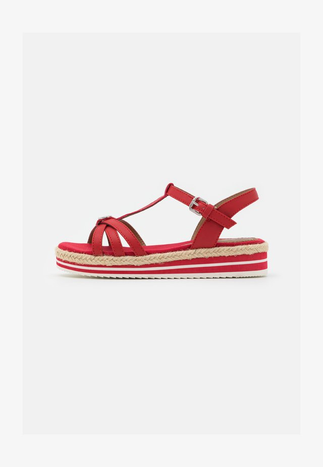 Sandalen met plateauzool - red