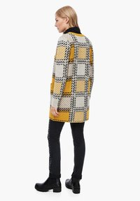 s.Oliver - Cardigan - yellow check - 2