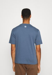 BOSS - BOSS X RUSSELL ATHLETIC - T-Shirt print - bright blue - 2
