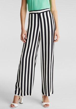CRÊPE-HOSE MIT ELASTISCHEM BUND - Trousers - off white