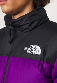 The North Face - RETRO NUPTSE JACKET UNISEX - Down jacket - gravity purple - 5
