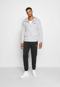 Nike Sportswear - HOODIE - Sudadera con cremallera - pure - 1