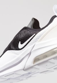 Nike Sportswear - AIR MAX MOTION 2  - Joggesko - black/white - 2